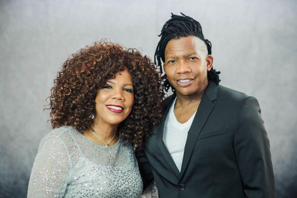 LYNDA RANDLE & MICHAEL TAIT- CHRISTMAS IN JULY