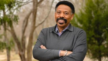 PASTOR TONY EVANS PREACHES ON 'GOD AND LIFE'