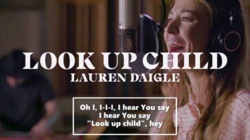 LAUREN DAIGLE - LOOK UP CHILD (STARSTRUCK SESSIONS)